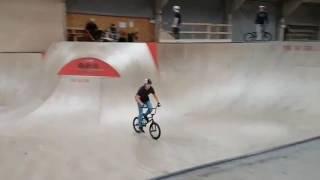 faze tari faze tari pe bicicleta