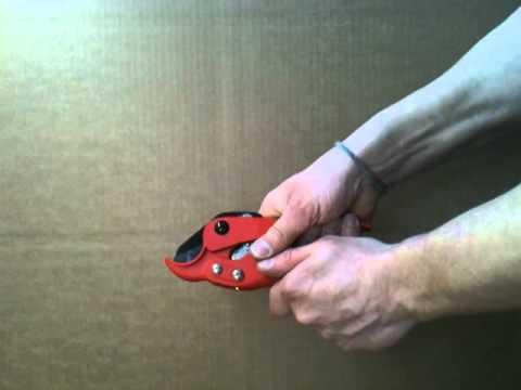 SANPRO Rohrschere Ausführung Ratsche für Kunststoff Verbundrohr 35 mm