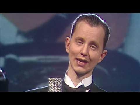 Max Raabe & Palastorchester - Kein Schwein ruft mich an 1992