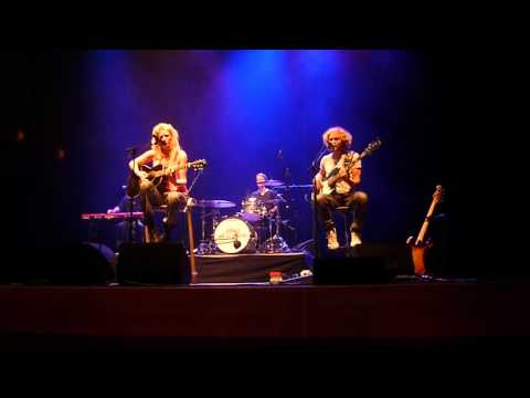 Miss Montreal - In the middle (15-9-2012 Enschede wilminktheater)