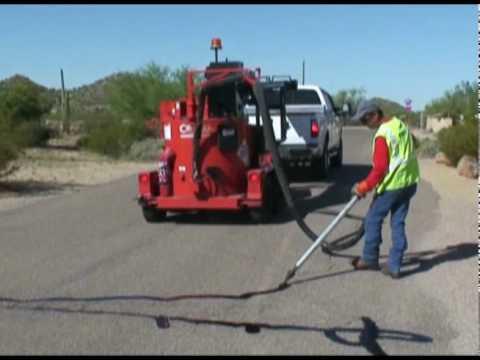 Crafco SuperShot Melter, práce s aplikačním vařičem asfaltových zálivek aplikovaných za horka