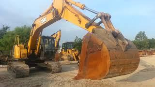 Operating a John Deere 225 Excavator