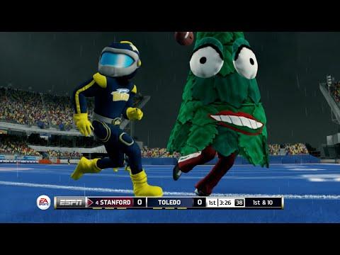 Christmas Trees vs MegaMans!? NCAA Football 14 Mascot Mode