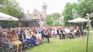 Champagne toast Slot Moermond op bruiloft Marc & Ilona