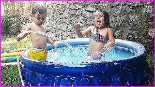Prenses Ve Prens Bahçede Şişme Havuz Keyfi, Rüya'dan Çılgın Atlayışlar L Eğlenceli Çocuk Videosu