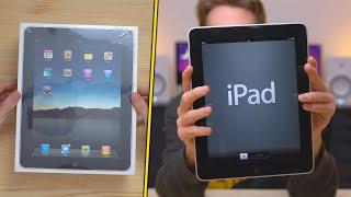 Unboxing dell'iPad 1, presentato da Apple ormai 10 anni fa!   ISCRIVITI ➜ http://rdrct.cc/go/subscribe  Cosa uso per fare video ➜ http://rdrct.cc/go/amzn-attrezzatura  IL MIO LINK AMAZON (Acquistando da questo link, mi regalerete il 5% della spesa) ➜ http://rdrct.cc/go/amzn  ==================== SOCIALS ====================  Telegram ➜ https://telegram.me/blackgeektutorial Instagram ➜ @blackgeektuto Facebook ➜ BlackGeekTutorial Twitter ➜ @blackgeektuto Periscope ➜ @blackgeektuto