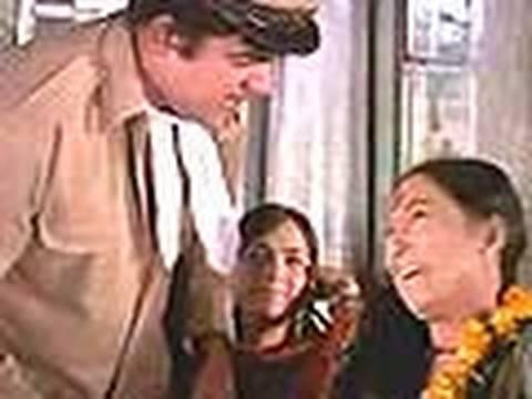 Bombay To Goa Comedy Scenes - Snake In The Bus - Mehmood, Lalita Pawar & Aruna Irani