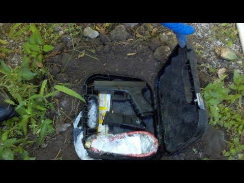 Gun FOUND While Metal Detecting