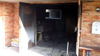 preview picture of video 'PGD Trzin, požar, Habatova ulica, 27.1.2012, gasilci'