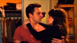 Jess and Nick kiss New Girl ( Zooey Deschanel, Jake Johnson )