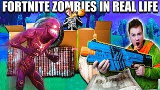 FORTNITE BOX FORT BATTLE IRL!! 📦⛏ Fortnite Zombies Base Defence (Nerf)