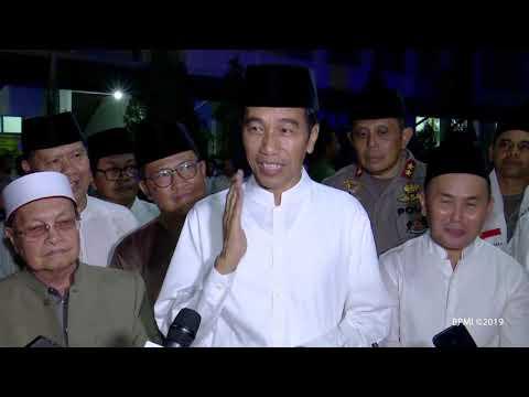 Presiden Jokowi Salat Tarawih di Masjid Darul Arqam, Palangkaraya, 7 Mei 2019