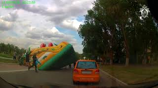 Надувной детский батут перевернулся в Астраханской области