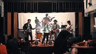 The Beattles Band   Hujan (Cover) Utopia | GORONTALO