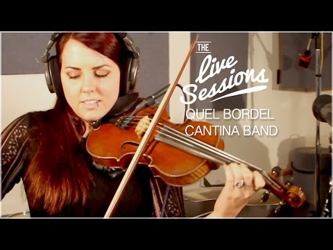 """QUEL BORDEL performing """"The Cantina Song"""" from Star Wars."""