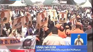 Rais uhuru Kenyatta azuru baadhi ya mitaa Nairobi akiwarai wananchi kujisajili kupiga kura