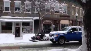 preview picture of video 'snowmobiles in Woodstock vermont'