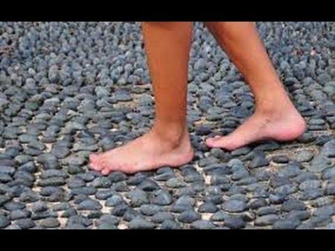 Video 4 Manfaat Berjalan Tanpa Alas Kaki Selama 5 Menit