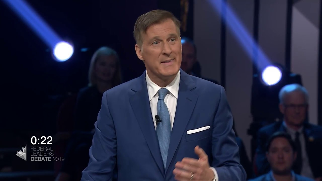 Maxime Bernier answers a question about pollution