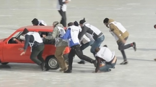 Raw: First-Ever Russian Car Curling Tournament