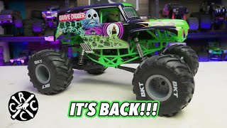 Monster Jam Grave Digger RC - The Axial SMT10 Is Back And Badder To The Bone