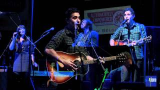 "Joshua Radin - ""You've Got Growing Up To Do"" (eTown webisode 174)"