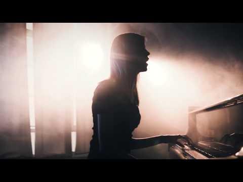Leonie Mikkie video preview