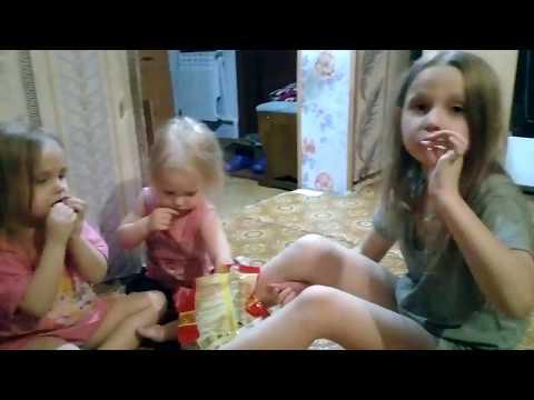 Vlog:Готовлю борщ.Дети едят сырую лапшу.
