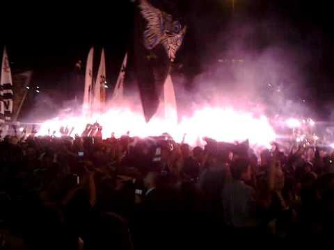 No centenário do Corinthians, a festa teve mais de 100 mil pessoas no Anhangabaú