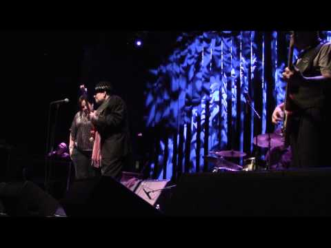 Diane Blue Ronnie Earl performs Etta James I'd Rather Go Blind at Showcase Live Dec 29 2012