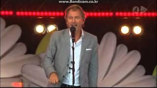 Tomas Ledin - Hon gör allt för att göra mig lycklig (Live @ Lotta På Liseberg 2011)