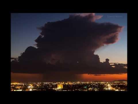 لقطات رائعة لقدوم العاصفة ،، جميلة جدا