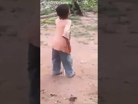 Vazou o Vídeo do Favela pequenino na Bahia dançando no quintal da sua Casa em Salvador