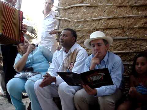 Hector Y Luis Jose Villa Al Lado Del Presidente Alvaro Uribe Velez