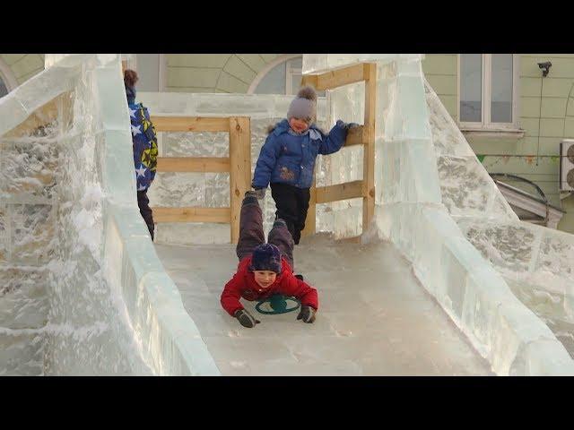 Неровный лёд и разрушенные скульптуры
