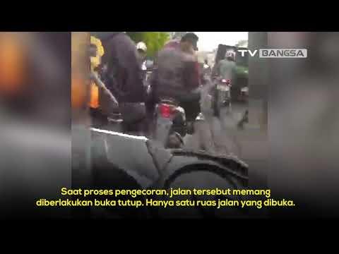 Baru Dicor, Jalan Balaraja Tangerang Berantakan Lagi Dilintasi Pengendara