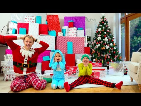 Дети еле поделили самые необычные и крутые подарки на Рождество