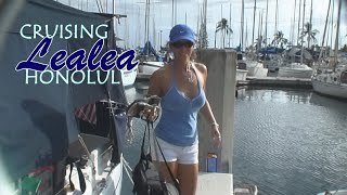 preview picture of video 'Cruising Lealea in Honolulu: The Ala Wai Part1'