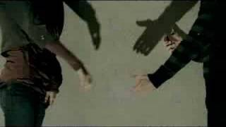 ADELE - 'Chasing Pavements'