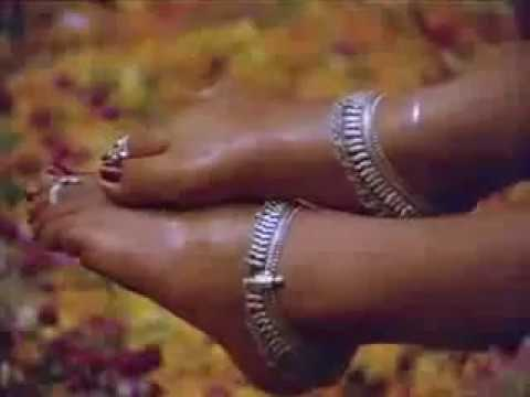 Kulikkum pothile manasu ketkale hot song- Nalini-tamil song