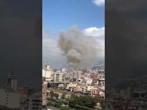 بالفيديو.. اندلاع حريق في مرفأ بيروت