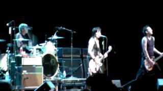 Joan Jett & The Blackhearts 100 Feet Away live 2011 HD