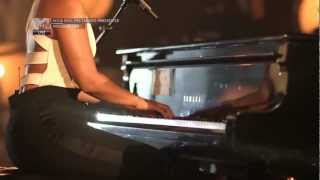 Alicia Keys, Manchester Cathedral - Doesn´t Mean Anything (HD).