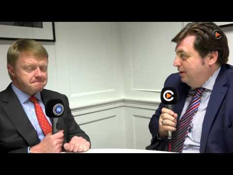 CFO Mark Learmonth im Interview über die Sitzverlagerung des Unternehmens