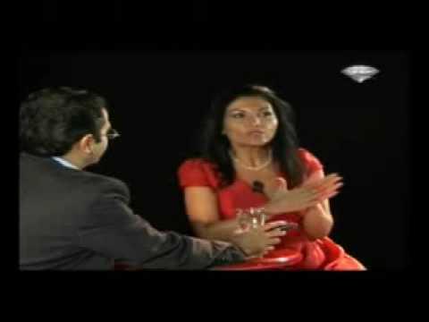 Roxana Persian singer - смотреть онлайн на Hah Life