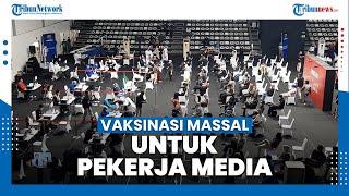 Vaksinasi Massal untuk Pekerja Media di Gelora Bung Karno