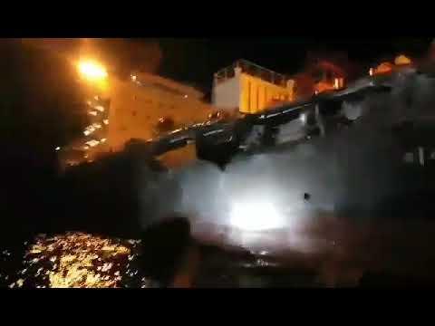 بالفيديو.. ثقوب في ناقلة نفط بسبب اصطدامها بسفينة فحم قرب الفلبين