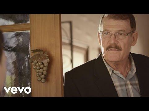 Me Dejaste Acostumbrado - La Arrolladora Banda el Limon (Video)