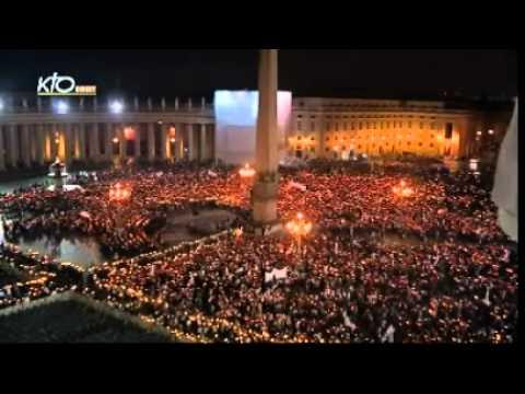 Procession pour l'ouverture de l'Année de la foi