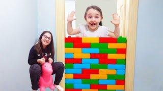 Download Video ÖYKÜNÜN DUVAR ŞAKASI - My Sister Wall Joke Fun Kid Videos MP3 3GP MP4